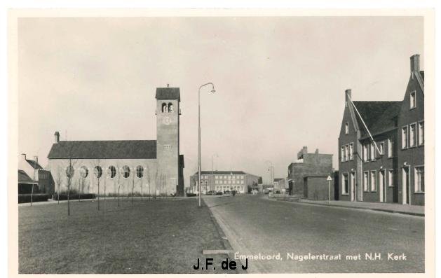 Emmeloord - Nagelerstraat met NH Kerk