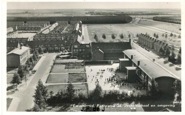 Emmeloord - Panorama St Josephschool en omgeving