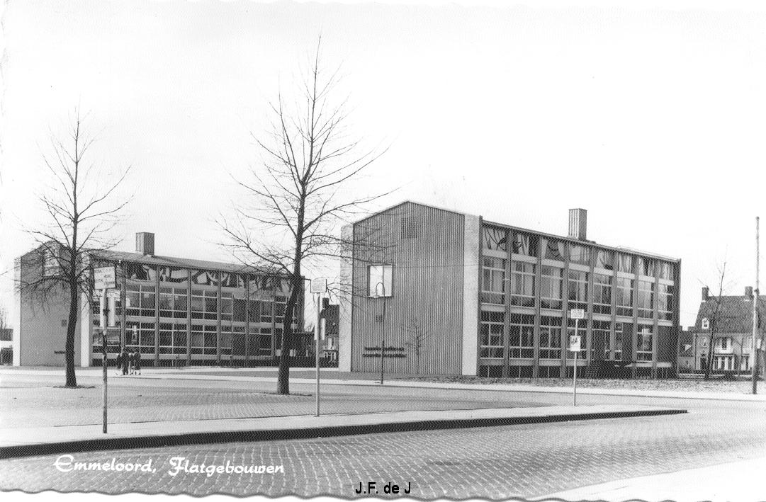 Emmeloord - Flatgebouwen